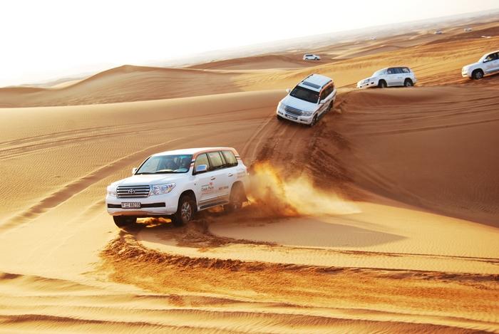 Поездка на внедорожниках в пустыню
