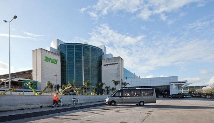 Аэропорт в столице Португалии