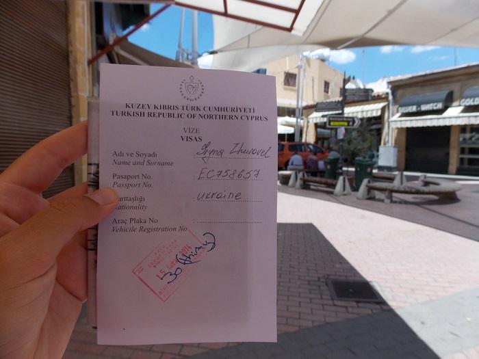 Обязательно ли россиянам оформлять визу для отдыха на Кипре?