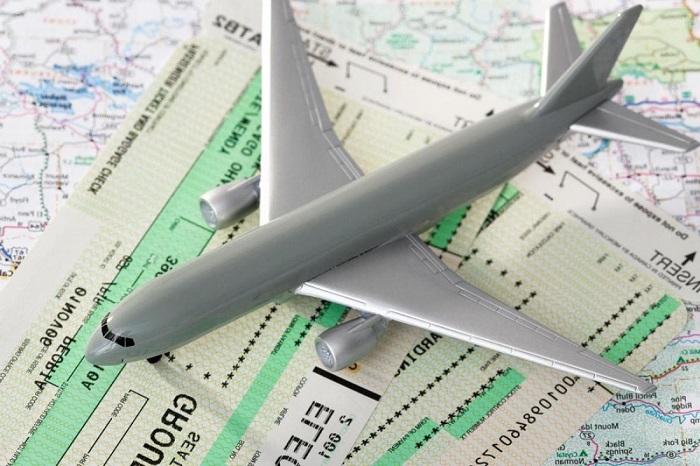 Дешевые авиабилеты и скидки пенсионерам по акциям авиакомпаний