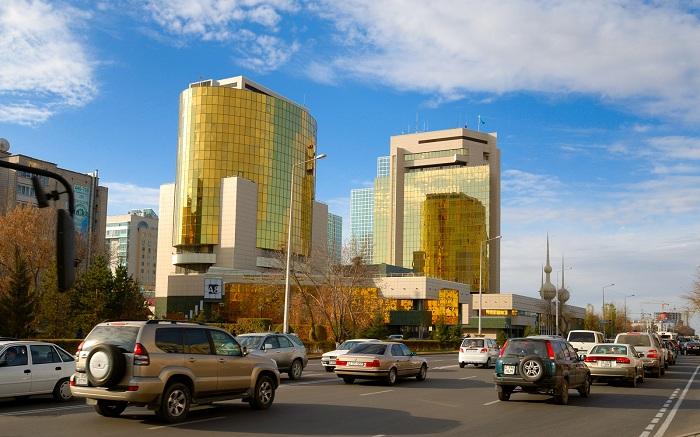 Дорога их аэропорта Астана до города