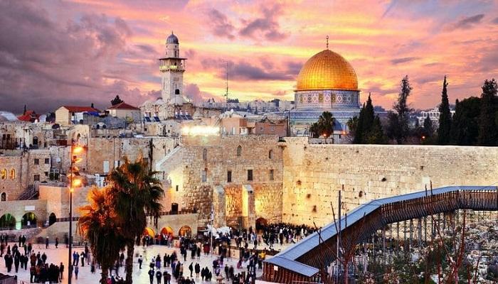 Если лететь чартерным рейсом из Москвы до Иерусалима