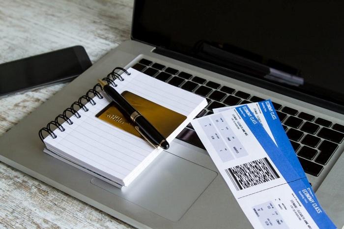 Как оплатить забронированный билет на самолет