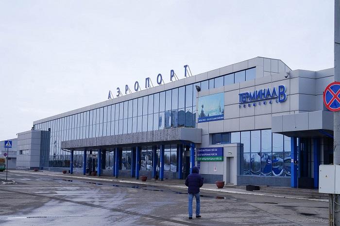 Порт для авиакомпаний в Омске