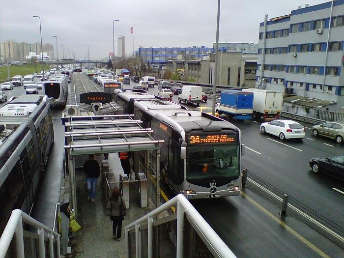 Метробус – особый вид транспорта в Стамбуле