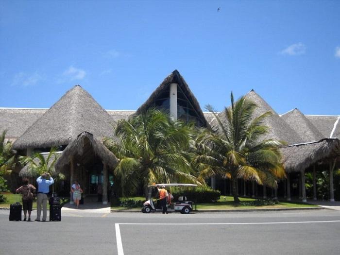 Кто выполняет регулярные рейсы в Пунта-Кану