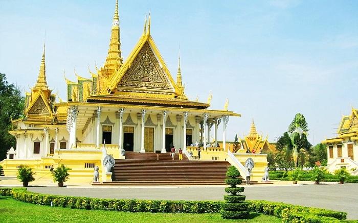 Сколько лететь до Камбоджи из Москвы