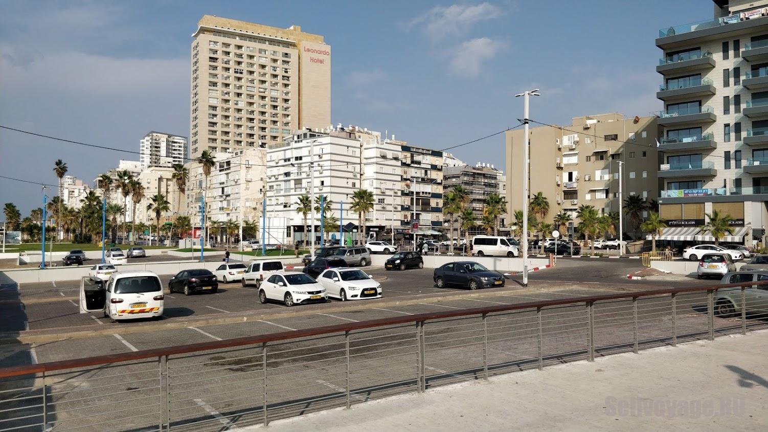Типичная бесплатная парковка в Израиле, Бат-Ям