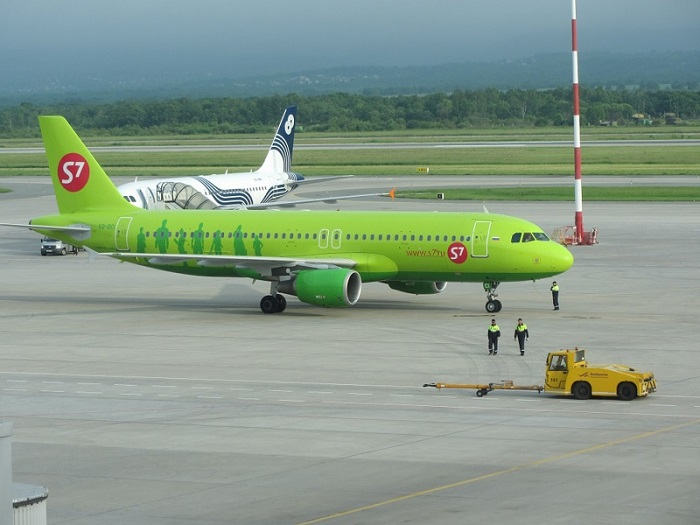 Низкие цены у лоукостеров и распродажи в крупных авиакомпаниях
