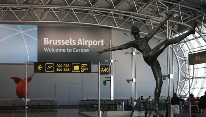 Если использовать сложный маршрут перелета Москва-Брюссель