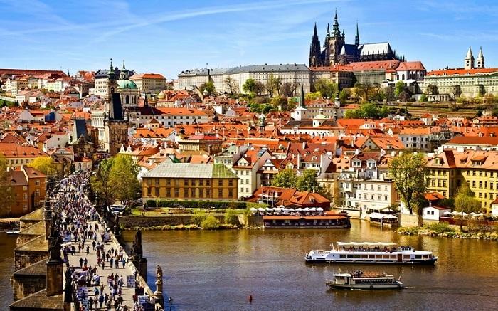 Чем привлекает Прага туристов