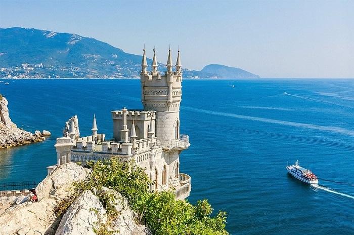 Сколько лететь до Крыма из Санкт-Петербурга с пересадками