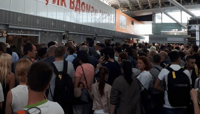 Обязанности авиафирмы перед пассажирами в случае задержки перелета