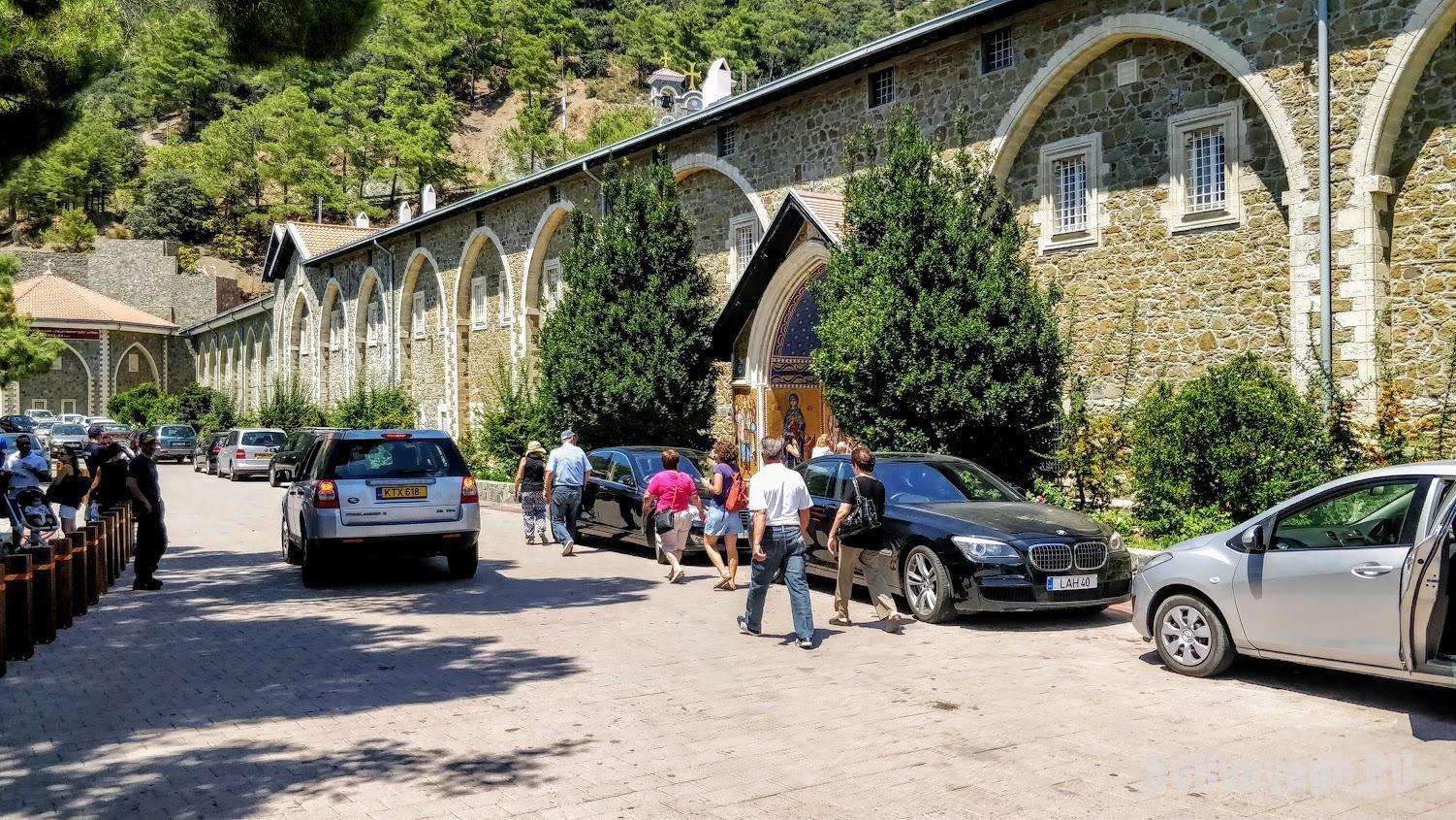 Монастырь Кикос